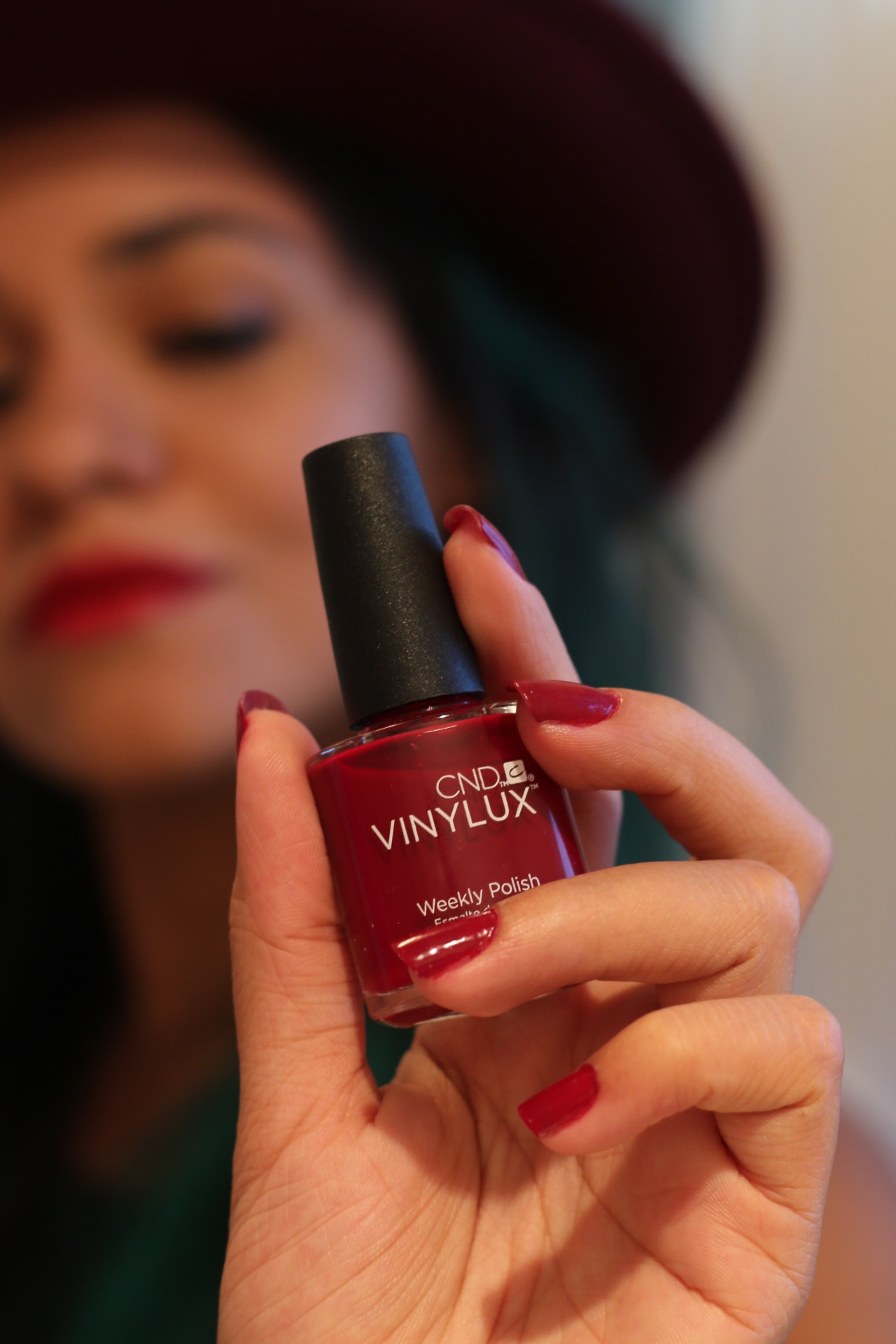 #Selfie with Super Red from CND Vinylux Weekly Nail Polish